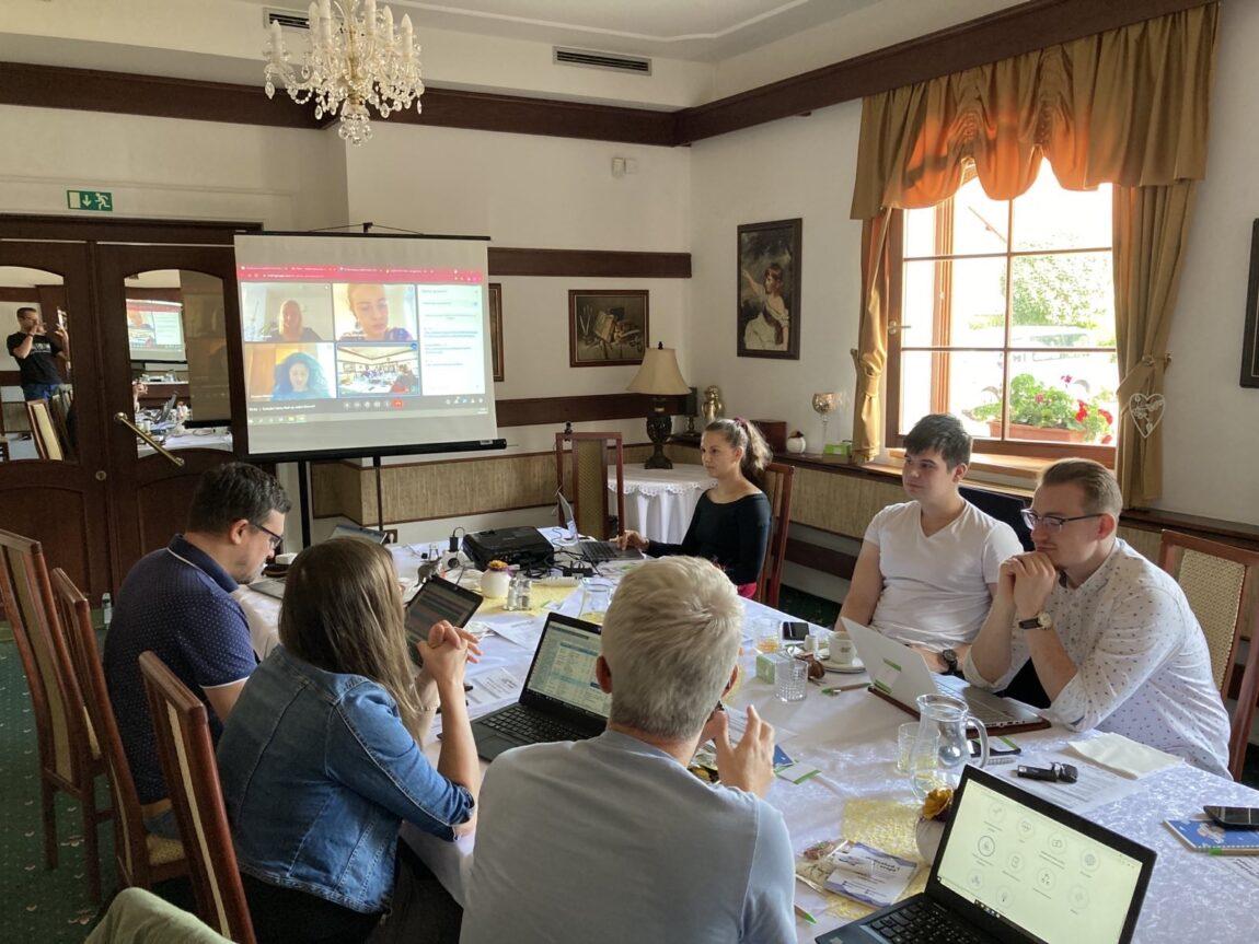 Projektový tým Rozhoduj oEvropě se sešel na jižní Moravě